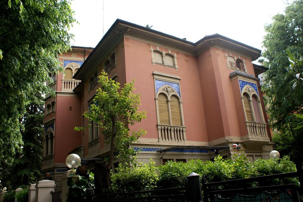 Maison art sur la Via Rodolfo au sud de Bologne.