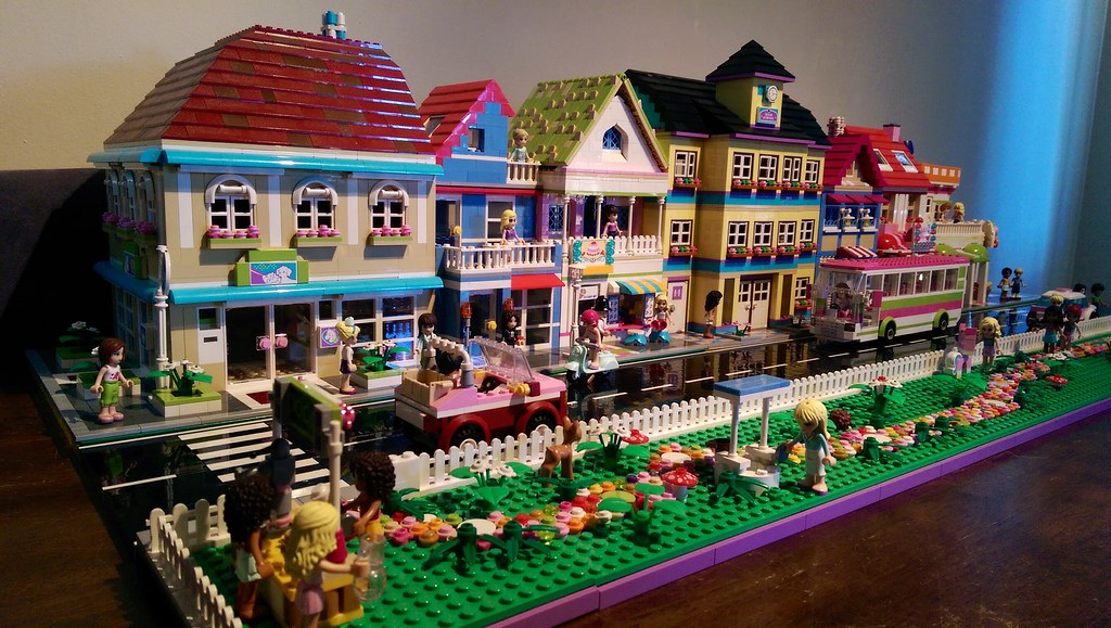lego friends street pretty much done and ready for display tikitikitembo flickr. Black Bedroom Furniture Sets. Home Design Ideas