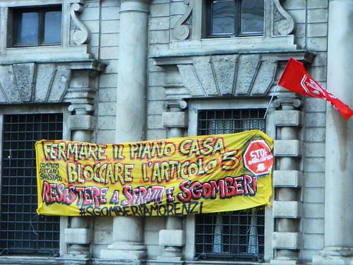 22m blitz agli uffici dell 39 anagrafe e presidio contro il for Piani casa africani gratis