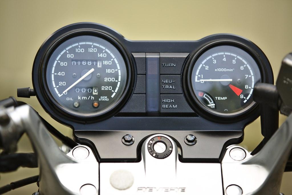 Honda NTV650 Motorcycle (1990) Dashboard | A Honda NTV650 ...