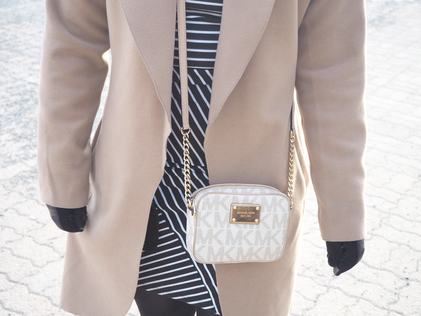 spring outfit michael kors bag
