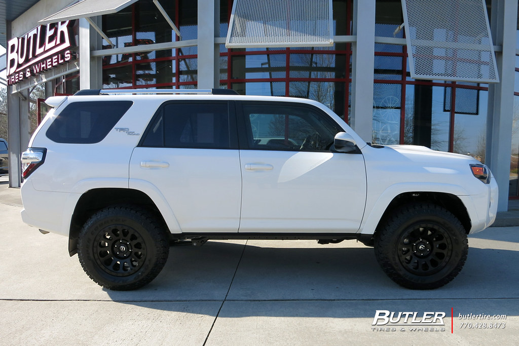 Toyota 4Runner with 18in Fuel Vector Wheels and Toyo Open ...
