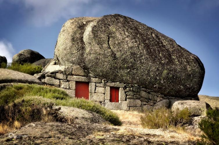 Fotografia em Palavras: Construção em pedra