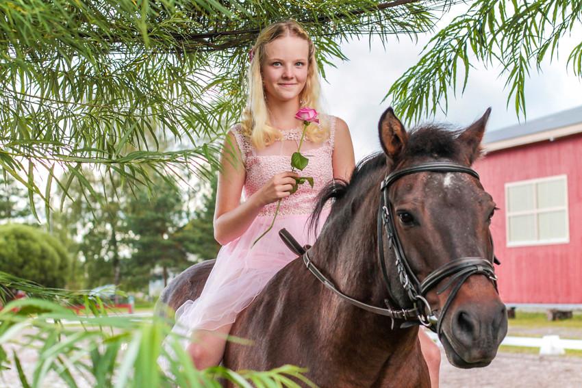 rippikuvaus rippikuvat hevosen kanssa konfirmaatio valokuvaaja edullinen kuvaaja ideoita insipiraatio päijät-häme lahti orimattila uusimaa rippijuhlat 2017