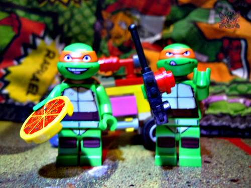 "LEGO TEENAGE MUTANT NINJA TURTLES :: ""Mikey's Mini-Shellraiser"" x / with ""KRAANG LAB ESCAPE"" Mike '12 (( 2014 ))"