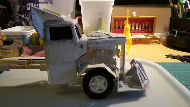 [Déterrage] Wolf Truck sur base de Diamond Reo AMT au 1/24 33132010855_3752b79186_z