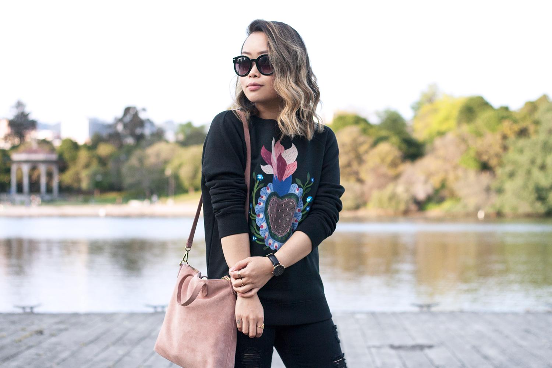 02valentino-graphic-sweatshirt-fashion-style