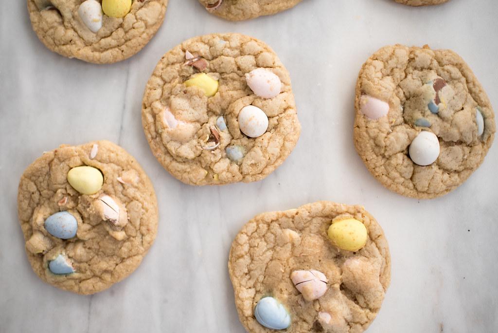 Cadbury Mini Egg Cookies Recipe on juliettelaura.blogspot.com