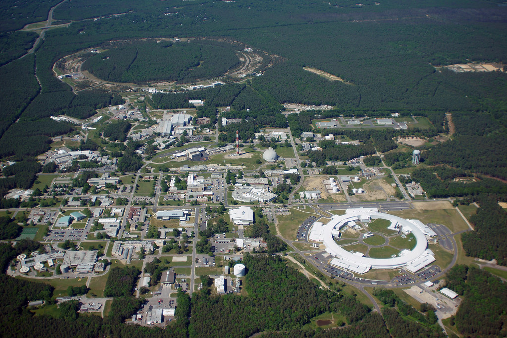 Aerial Brookhaven Lab Nsls Ii And Rhic The Central
