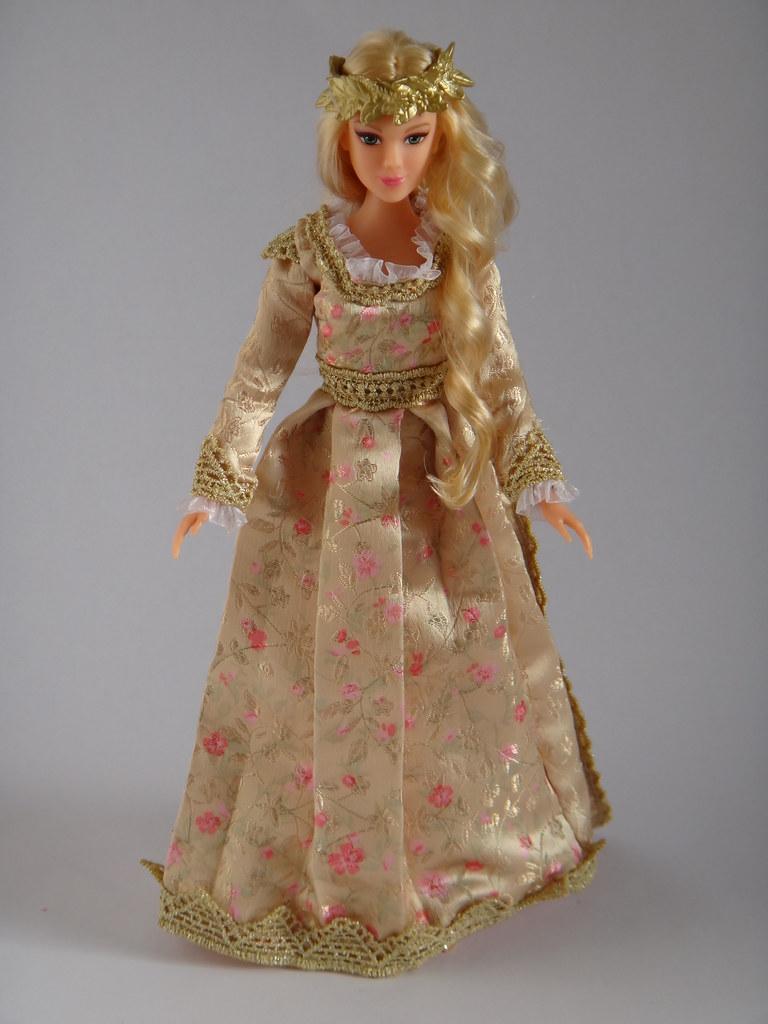 Royal Coronation Aurora Doll - Disney Maleficent - Jakks P ...