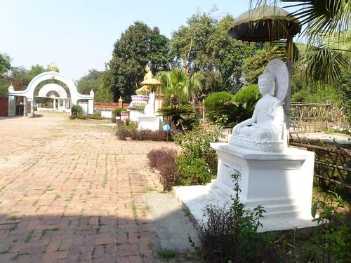 n-lumbini-est-religieuse (5)