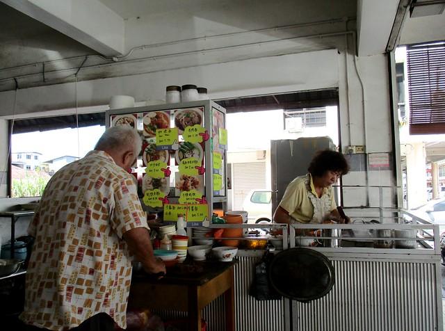 Rong Rong Seafood & Cafe yong tofu laksa stall