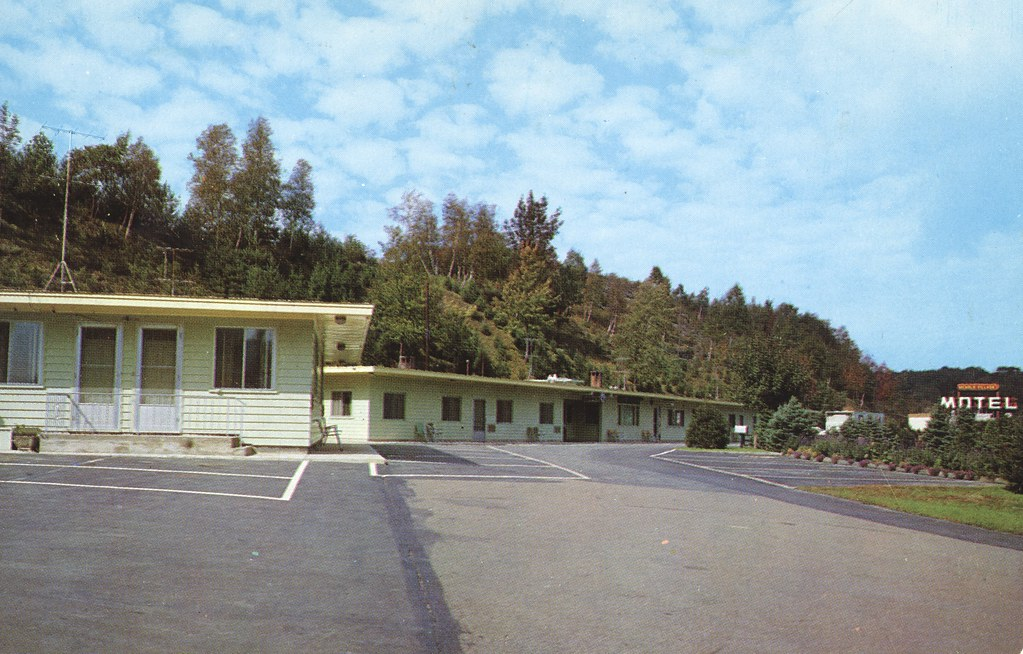 Nichols Village Motel - Clarks Summit, Pennsylvania