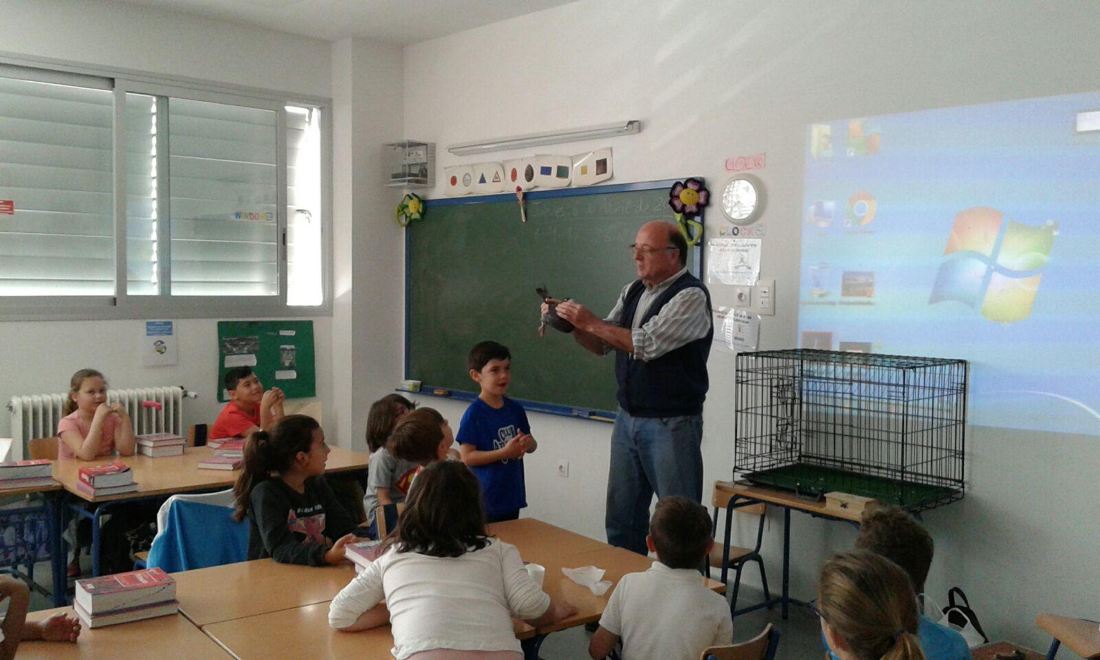 Charla de colombicultura en el Colegio Huerta de la Princesa