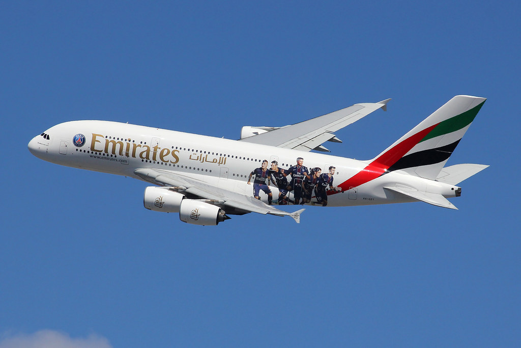 a6 eet airbus a380 861 emirates special paris saint. Black Bedroom Furniture Sets. Home Design Ideas