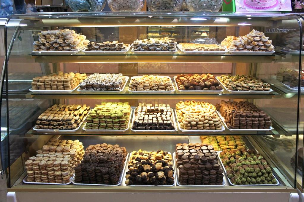 Al samadi sweets diera dubai dubai arabic food tour for Arabic cuisine in dubai