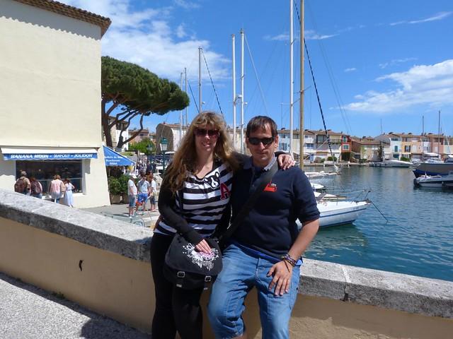 Rebeca y Sele en Port Grimaud (Costa Azul, Francia)