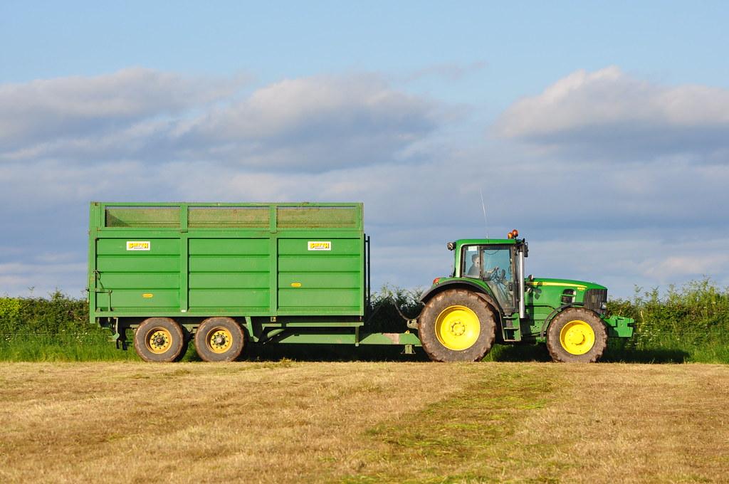 John Deere Trailor : John deere tractor with a smyth silage trailer flickr