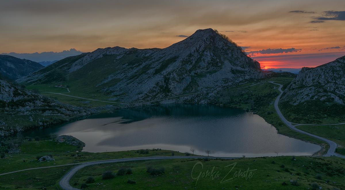 "19.- ""Lago Enol. Covadonga - Zarate"