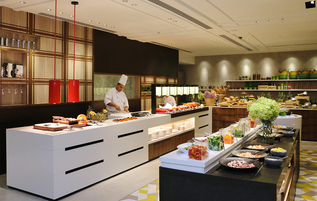 3. Lemon Garden also features a Western theatre kitchen and a salad bar