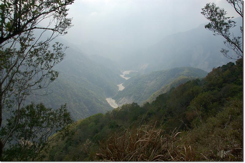 朗吾呂山俯瞰哈尤溪