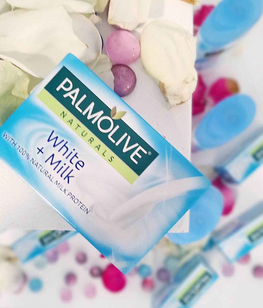 8.1 8 Palmolive Naturals White plus Milk