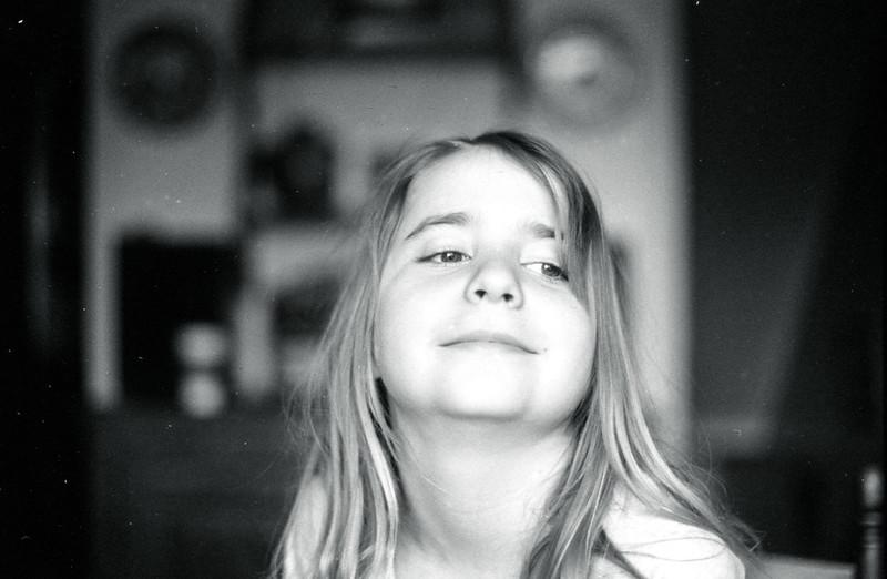 Charlotte Looking_