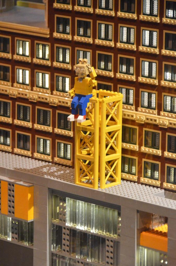 Legoland Somerville (Boston), preview weekend: Arthur stat… | Flickr