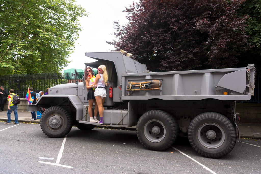 Jeep New Truck >> US NAVY TRUCK AND SOME GIRLS [1969 Kaiser-Jeep Corp. M51A2… | Flickr