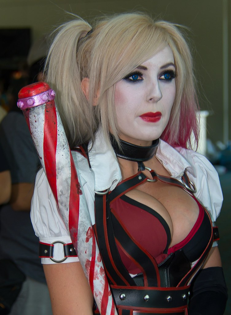 Jessica Nigri - Convention Scene