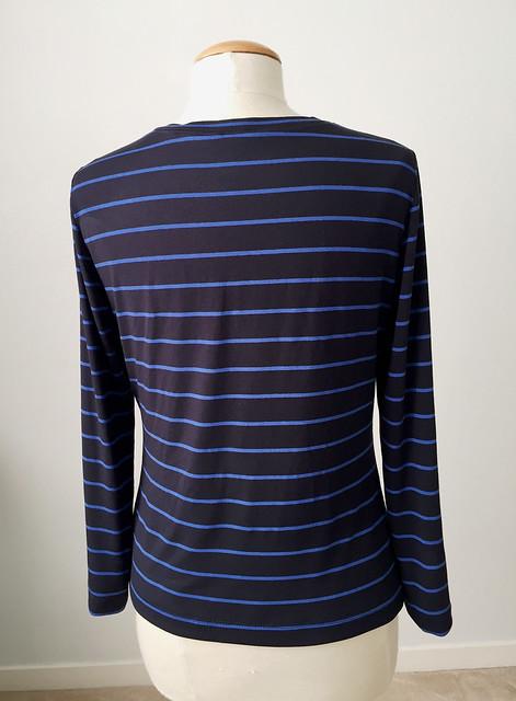 navy blue dart top back