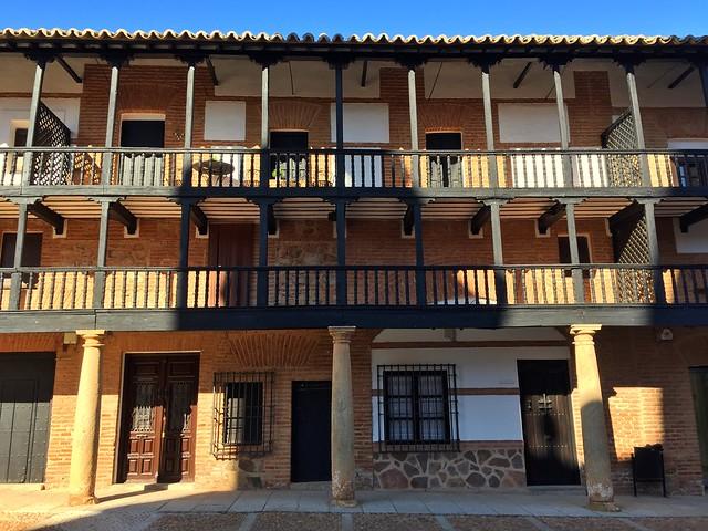 Plaza Mayor de San Carlos del Valle (Villanueva de los Infantes)