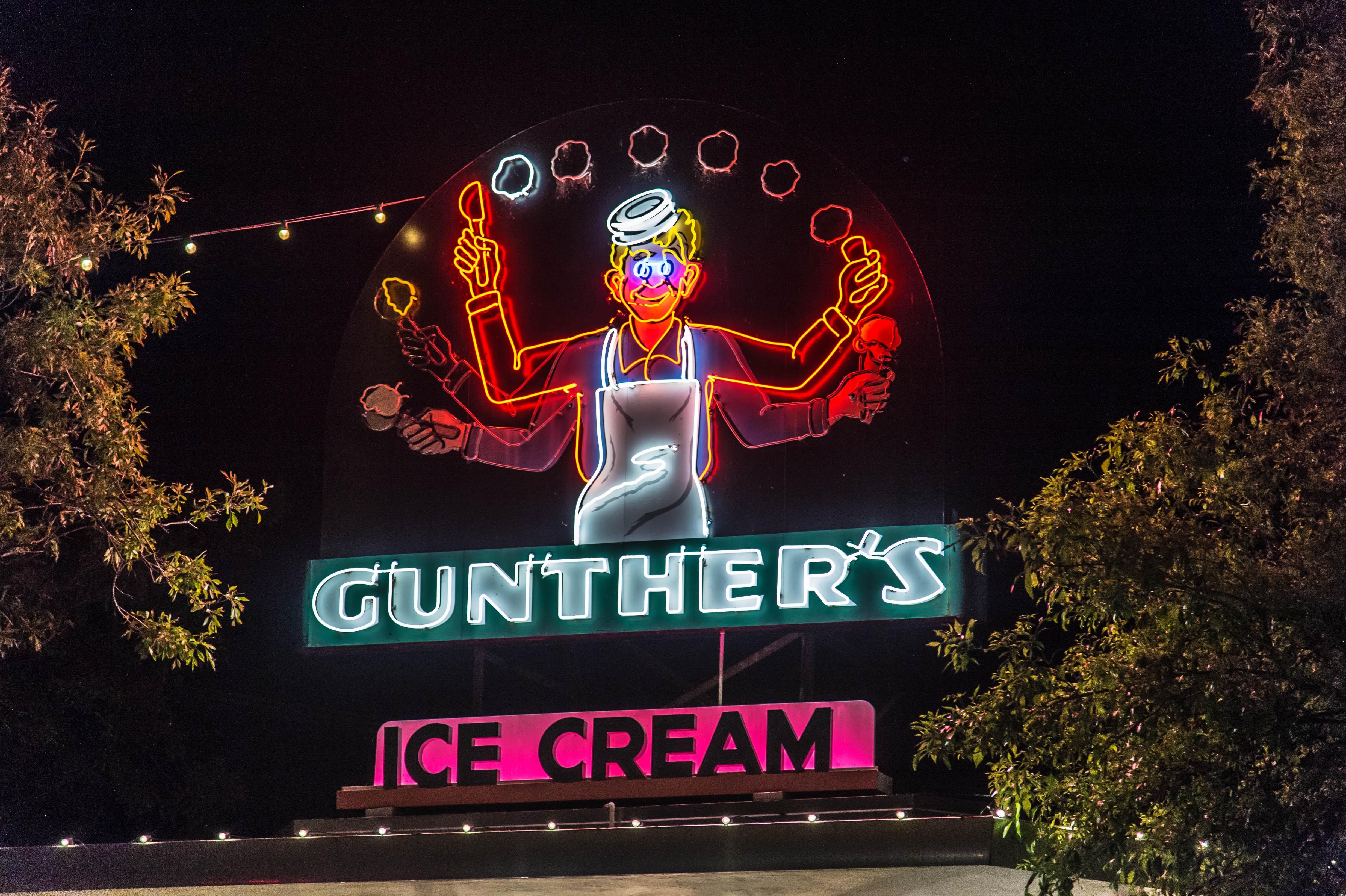 Gunther's Ice Cream - 2801 Franklin Boulevard, Sacramento, California U.S.A. - May 2, 2014