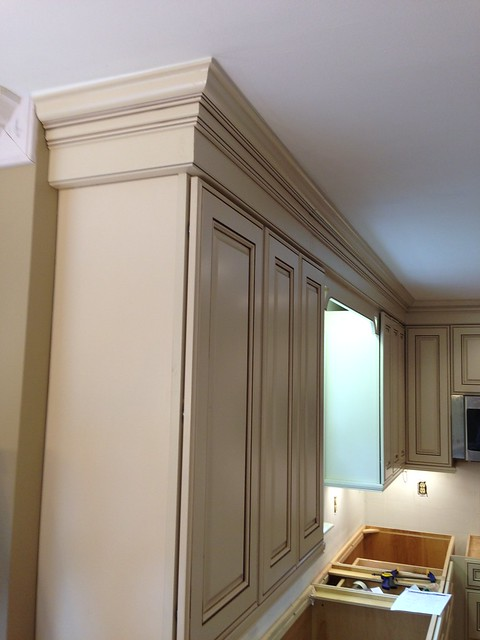 Kitchen Cabinet Crown Molding Height