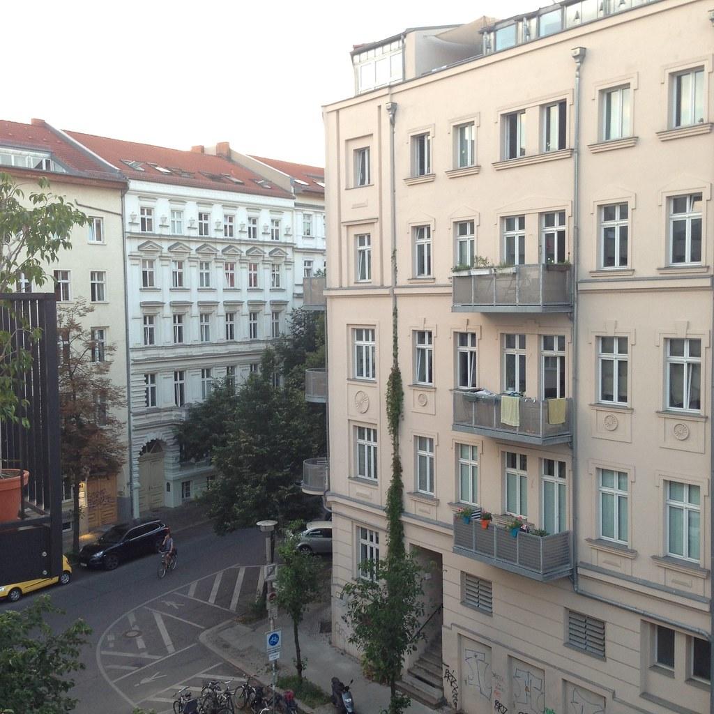 berlin airbnb timothy vollmer flickr. Black Bedroom Furniture Sets. Home Design Ideas