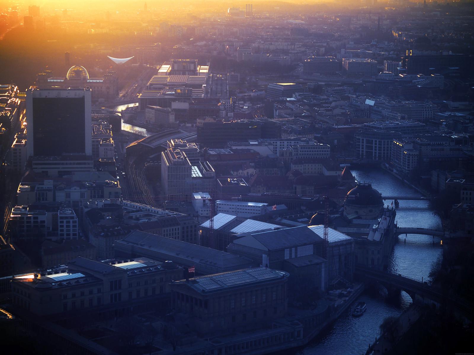 Sunset Aerial View Berlin Dusk TV Tower_effected