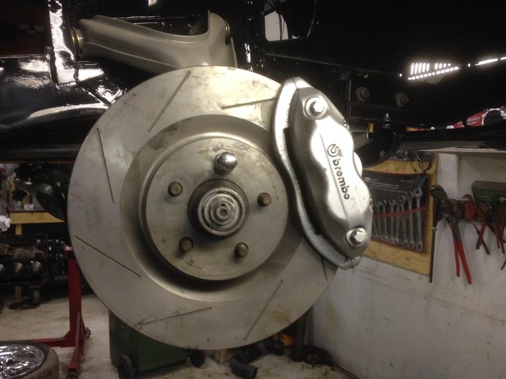 "MikkoV garage:  Charger SRT8 -70,  Manta A 2800S, Camaro RS -70 ""drift"", W212, Pontiac Tempest jne. 33592943572_b6459e2f0f_b"