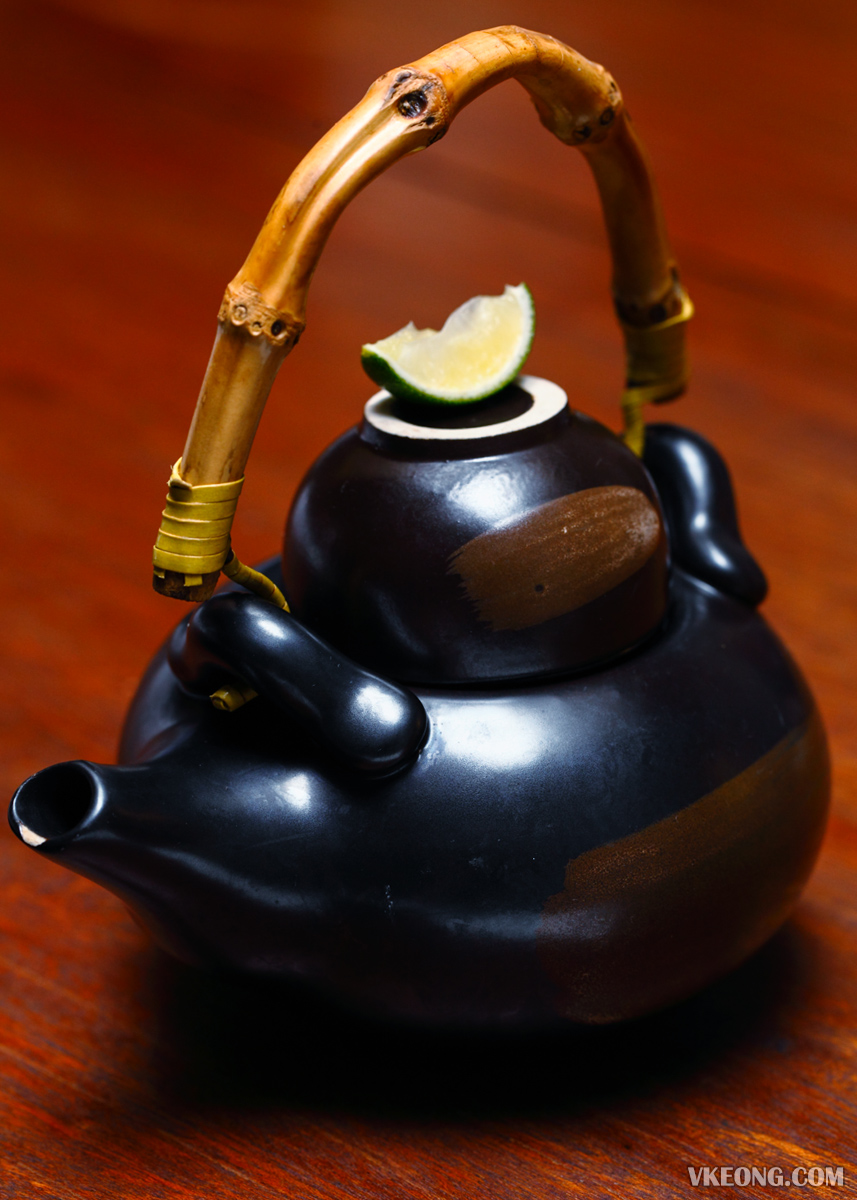 Dobin Mushi Broth in Tea Pot