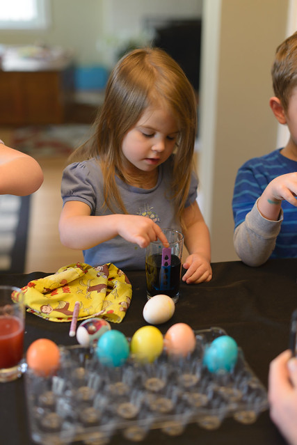 coloring eggs April 15-4