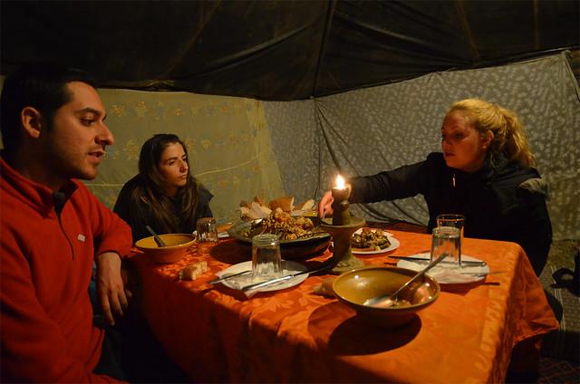 En una jaima en mitad del desierto de Marruecos