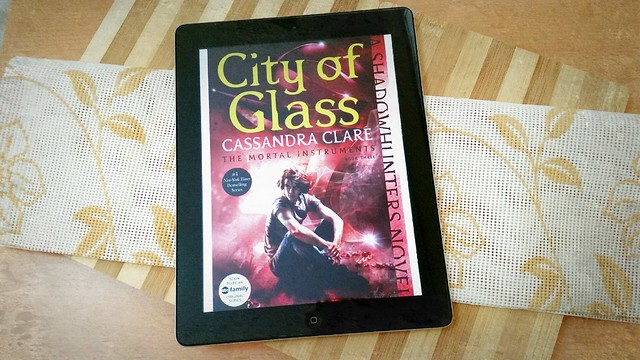 Book Review: City of Glass by Cassandra Clare | The Mortal Instruments Book 3