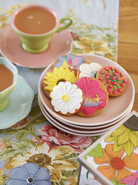 Flowery biscuits from biscuiteers