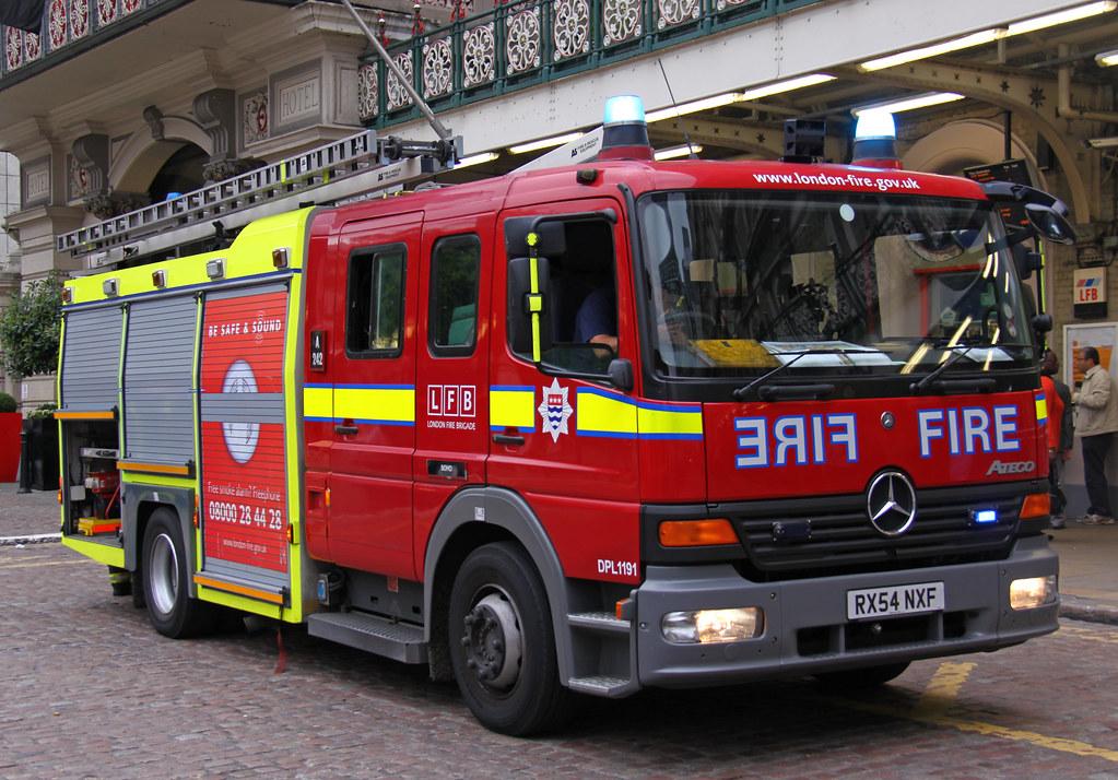 london fire brigade mercedes atego soho dual pump ladder