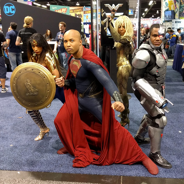 Justice League cosplay: Superman, Aquawoman, Wonder Woman, Cyborg