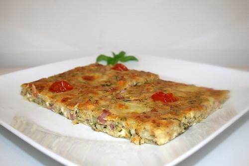 35 - Savory zucchini cake - Side view / Herzhafter Zucchinikuchen - Seitenansicht