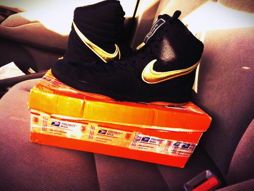 official photos d4bfd 6b501 ... top quality nike oe size 9.5 nike wrestling oe gold black inflict 49d54  14fc0