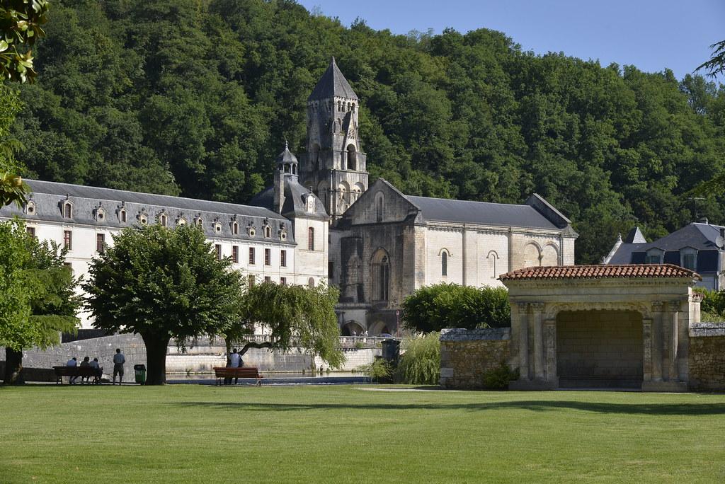Le jardin des moines et l 39 abbaye stephane mignon flickr for Le jardin des epilobes