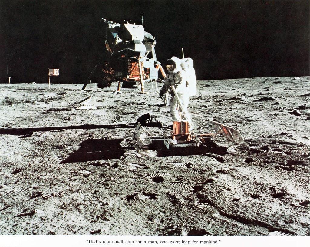 Astronaut Apollo | SDASM.CATALOG: 08_001926 FILE NAME: 08 ...