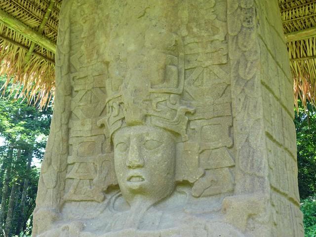 Estela maya en Quiriguá (Guatemala)