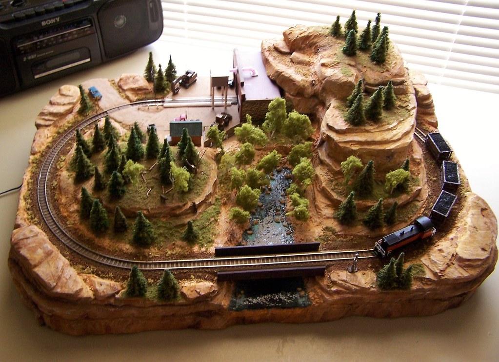 Montana Coal Co. | N scale mini layout. 17 x 24 inches ...